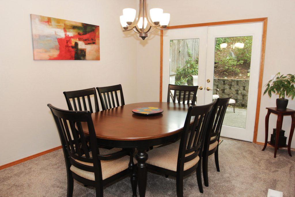 02 - Dining Room