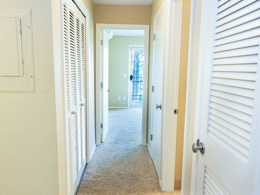 17 Hallway MLS