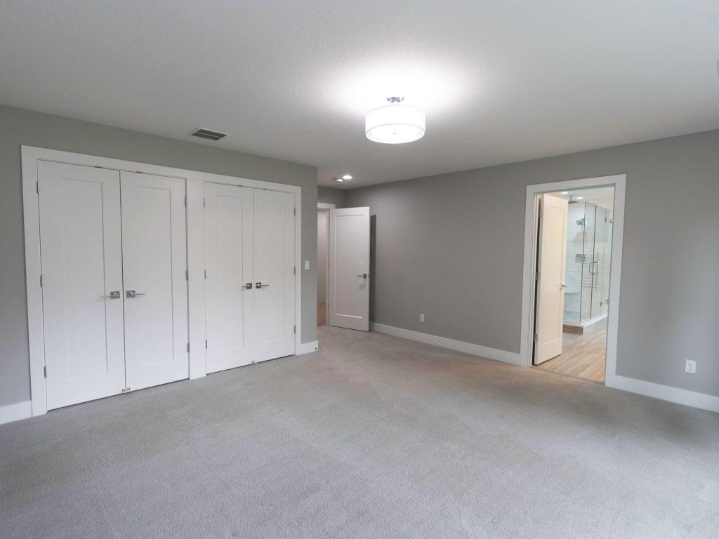 18 Main Bedroom
