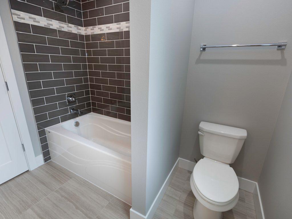 26 Hall Bath