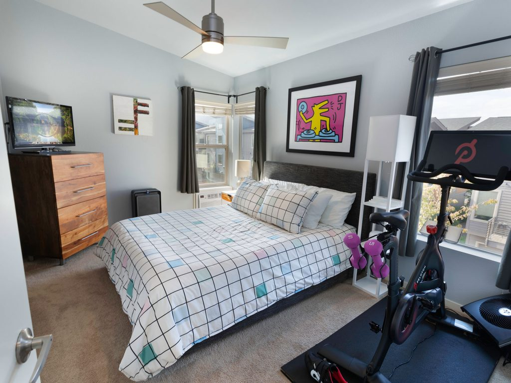 17 Primary Bedroom