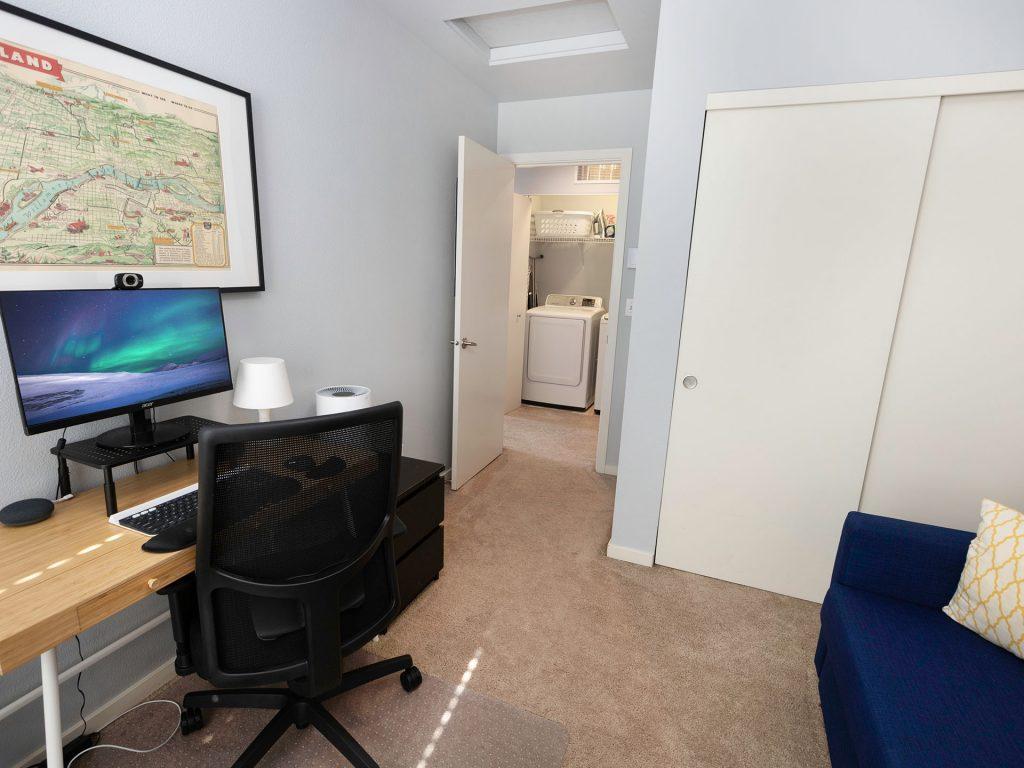 25 Bedroom Office